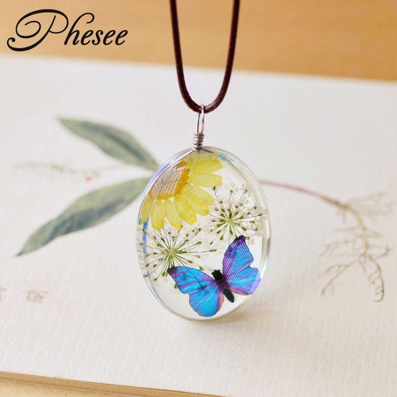 Phesee New Design Fashion Natural Dried Flower Butterfly Necklaces & Pendants Long Necklace Jewelry for Women