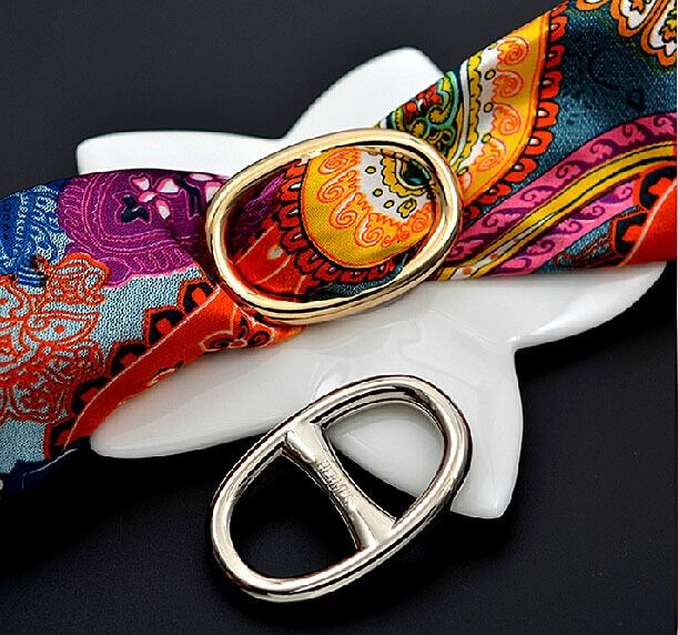 H classique mode design foulard en soie boucle Hijab broches broches à la main pour écharpe personnaliser cadeau