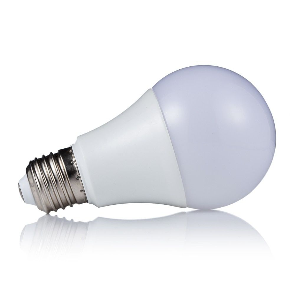 3 W 5 W 7 W E27 RGB lampe à LED LED RGB ampoule SMD5050 lumière LED 110 V 220 V décoration de la maison 16 couleurs changer IR télécommande A65-A80