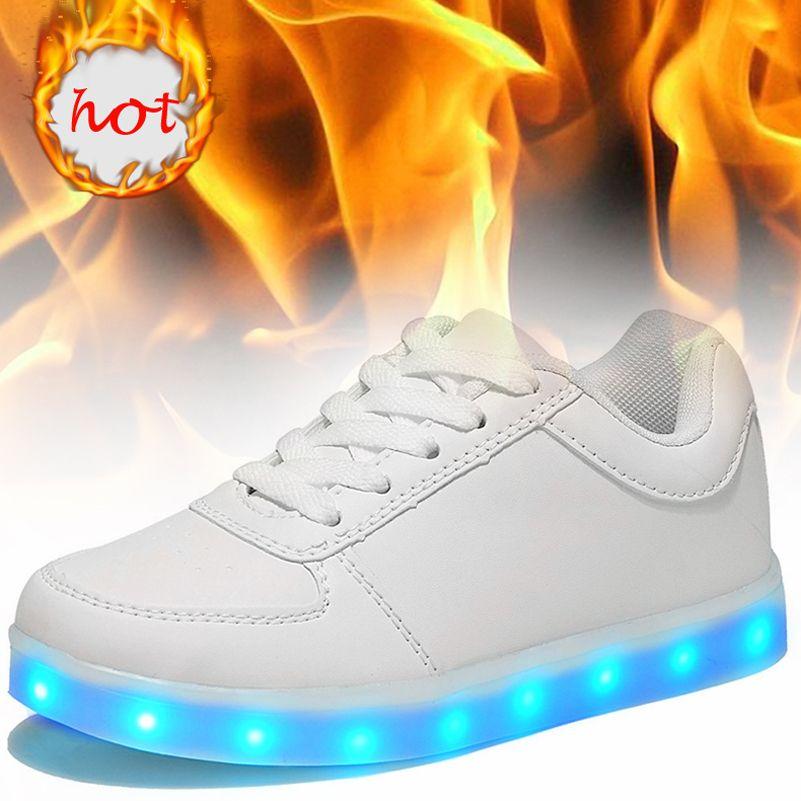 KRIATIV Lumineux Led Néon Sneakers Light up Clignotant Formateur Clignotant rougeoyant sneakers Blanc Lumineux Chaussures avec usb pour Garçon et fille