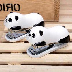 Mini Panda Grapadoras set kawaii Panda Cartoon Carpeta de papel dentro de 1000 unids Grapas oficina material escolar