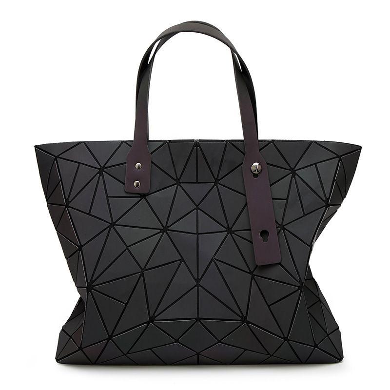 2018 New Bags Women Handbag Geometry Totes Sequins Mirror reflective Plain Folding Shoulder Bags Luminous Bao bags Hologram