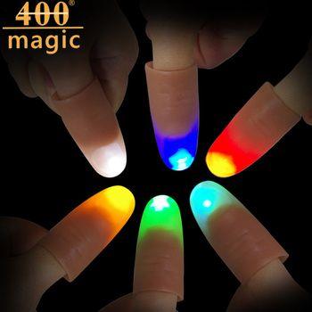 1 para Lustige Licht Blinkt Finger Magie Trick Elektronische LED Trick Requisiten Daumen Licht Street Magic Erstaunlichen Glühen Spielzeug Kinder