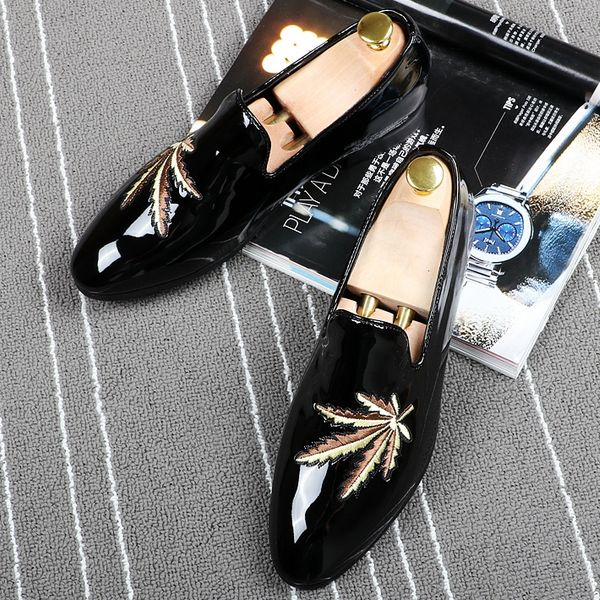 2017 Italy Black Patent Leather Men Dress Shoe Maple Leaf Embroided Plus Size Men Loafers Prom Flats Moccasin Zapatos Hombre