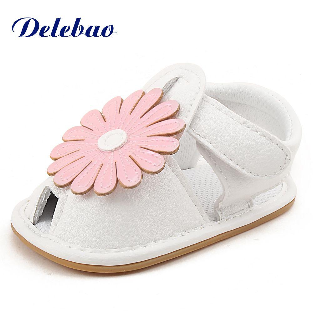 Новый Дизайн Стиль для маленьких девочек кожа плоской резиновой подошве Обувь с крупными цветами Обувь для младенцев для 0-18 месяцев