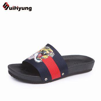 Suihyung Plus La Taille Femmes D'été Chaussures Plates PU Fond Mou Pantoufles de Plate-Forme Femme Plage Pantoufles Broder Flip Flops Sandales