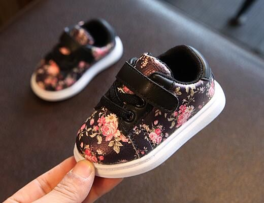 Cute Baby Shoes For Girls Soft Moccasins Shoe 2017 Autumn Black Flower Baby Girl Sneakers Toddler Boy Newborn Shoes First Walker