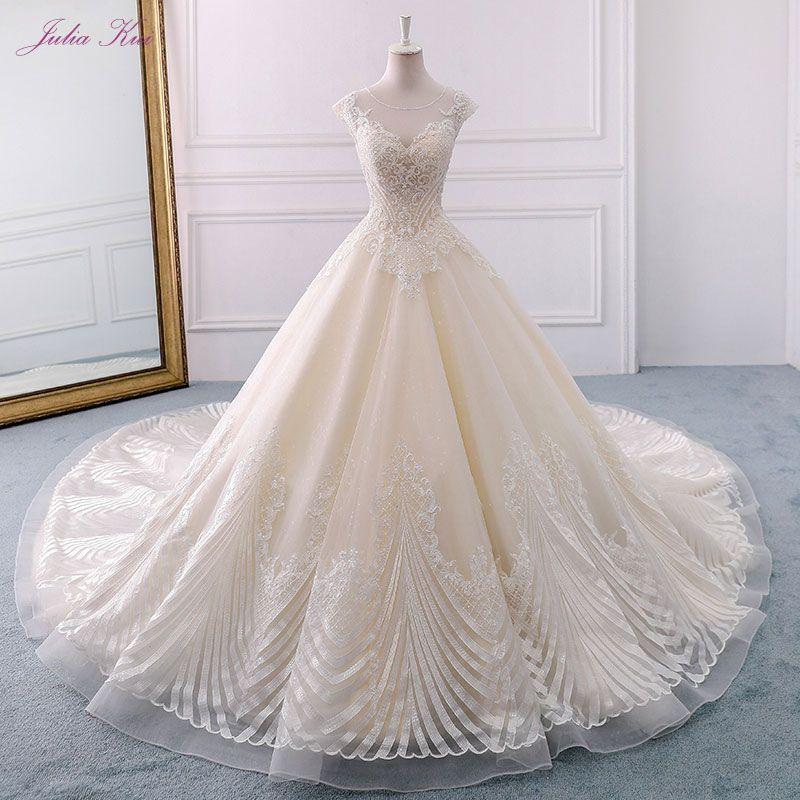 Julia Kui Neue Ankunft Luxus Einzigartige Appliques Spitze Hochzeit Kleid Scoop Lace Up Lange Kapelle Zug Vintage A-Line Vestido de noiva