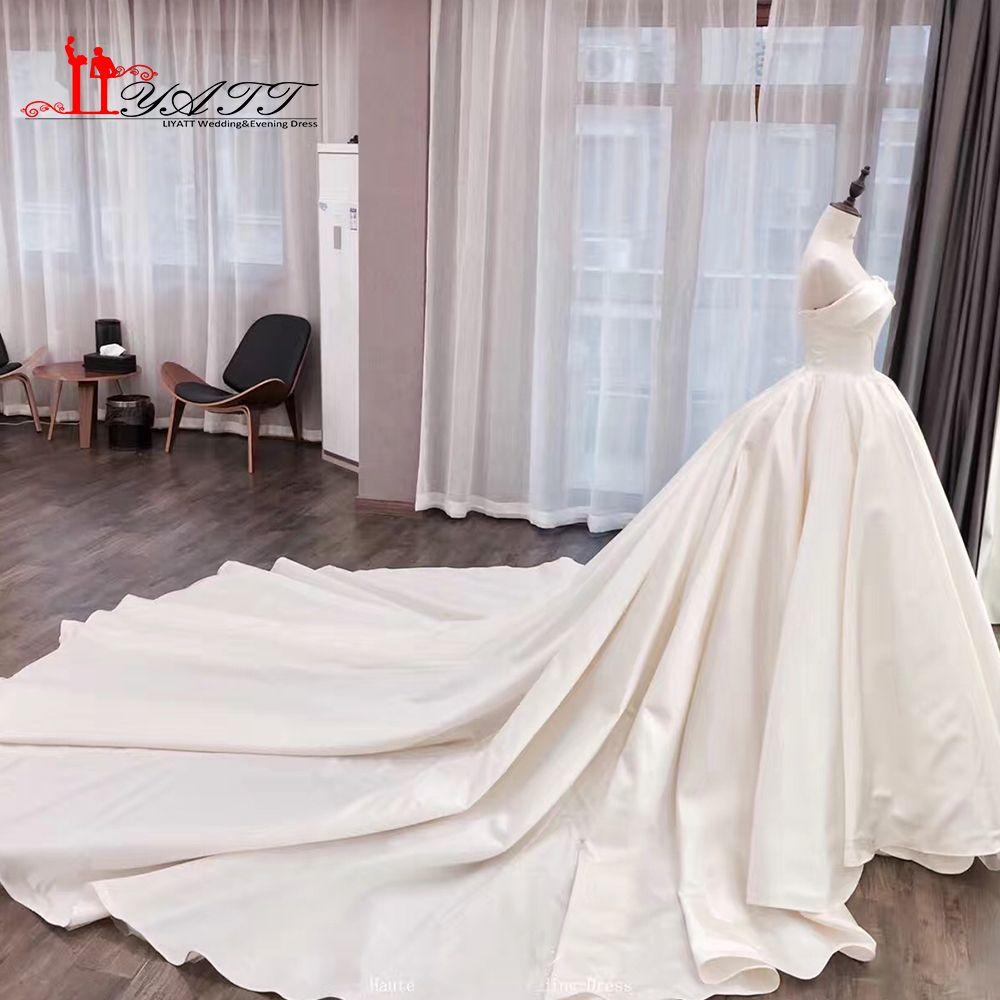 2017 New Arrival Ivory Satin Cathedral Train Luxury Elegant Vintage Amazing Long Wedding Bridal Dresses LIYATT