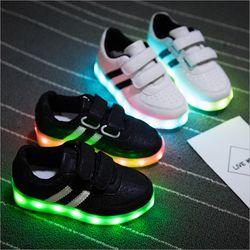 Moda Led zapatillas niños USB que carga las zapatillas de deporte encendidas luminosas/niñas colorido luces LED niños zapatos 25 -34