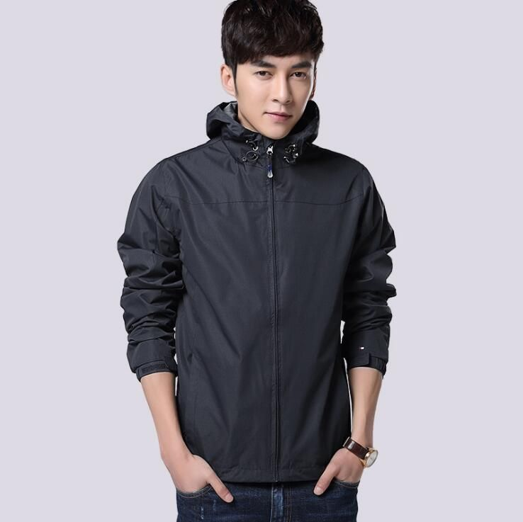 2018 Spring New Design Thin Hooded Sport Jacket Men Breathable Patched Windproof Sport Jacket With Pockets Size S-2XL Black