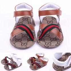 Les nouveau-nés de mode d'été enfants rome style en cuir creux doux semelle plage chaussures mignon bébé garçon en bas âge chaussures antidérapantes Infantiles sandales