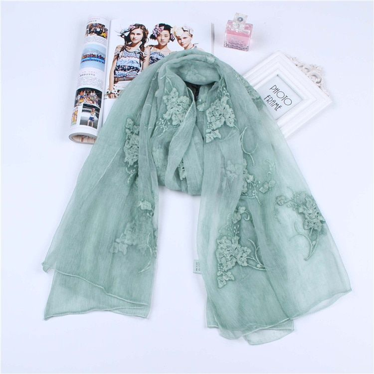 Women Scarves Floral Embroidey Silk Wool Scarves Shawls Lady Soft Wool Pashmina Elegant Embroidery Honorable Wraps