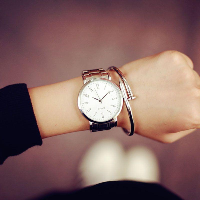Недавно Дизайн часы из нержавеющей стали Для мужчин простые модные женские туфли повседневные Тонкий водонепроницаемый пара кварц-часы Сп...
