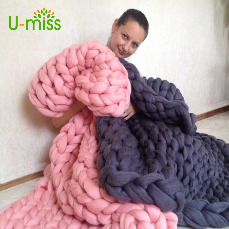U-miss Fashion Thick Yarn Merino Wool Bulky Knitting Blanket Soft Autumn and Winter Warm Hand Chunky Knitted Sofa Blanket