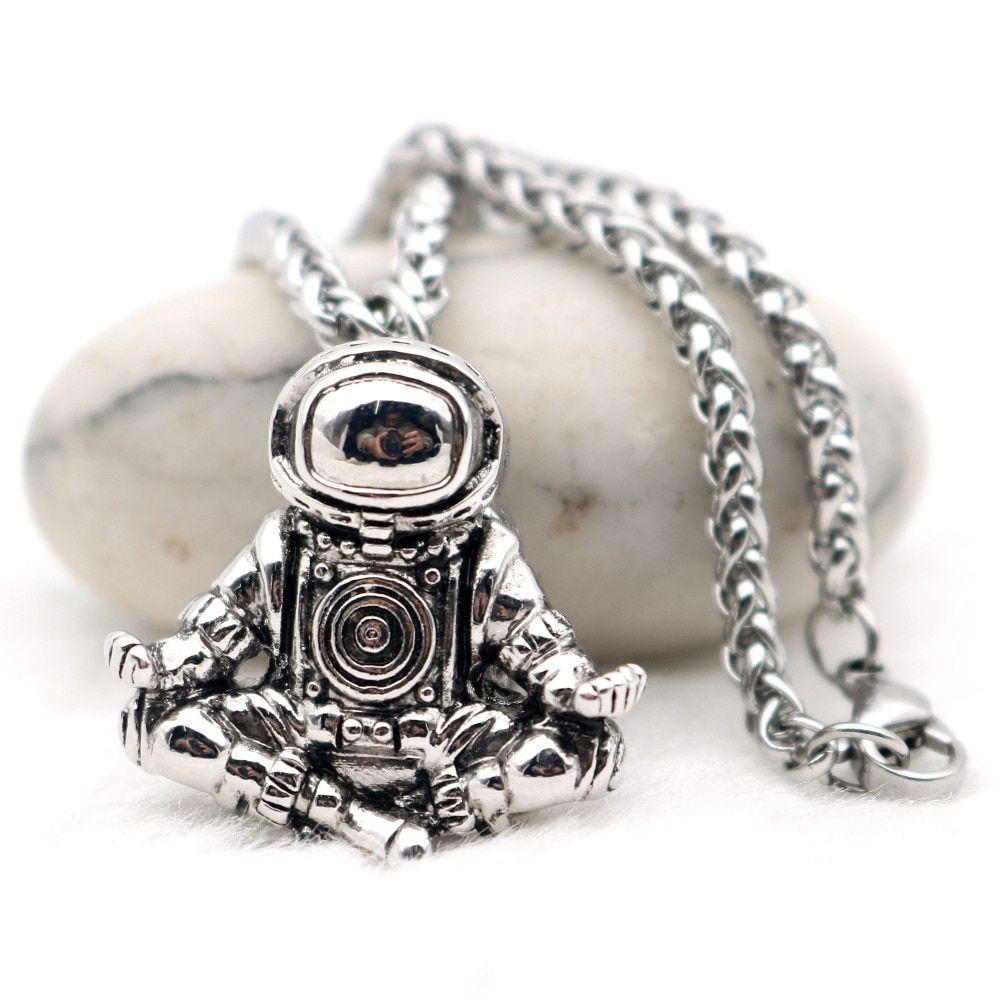 Astronaut Pendant Necklace Galaxy Universe Spaceman Meditation Trinket Retro Stainless Steel Chain Men Necklace