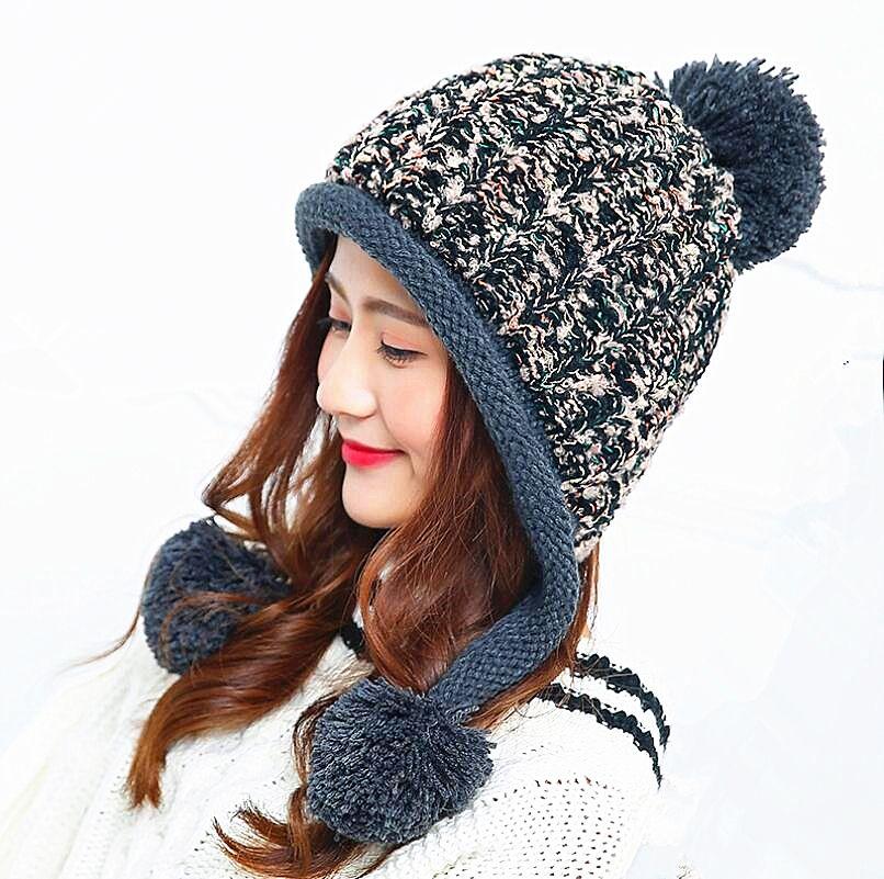 2017 caliente calor Estupendo de Doble capa casquillo de la bola de pom poms invierno gorro de lana para mujeres niñas sombrero de punto gorros cap gruesa femenina cap