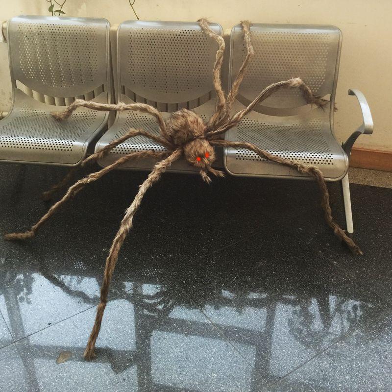 Araignée poilue géante avec des yeux LED pour la décoration d'halloween