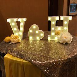 26 letras blanco LED noche luz letrero alfabeto lámpara para la fiesta de cumpleaños de la boda dormitorio pared decoración colgante