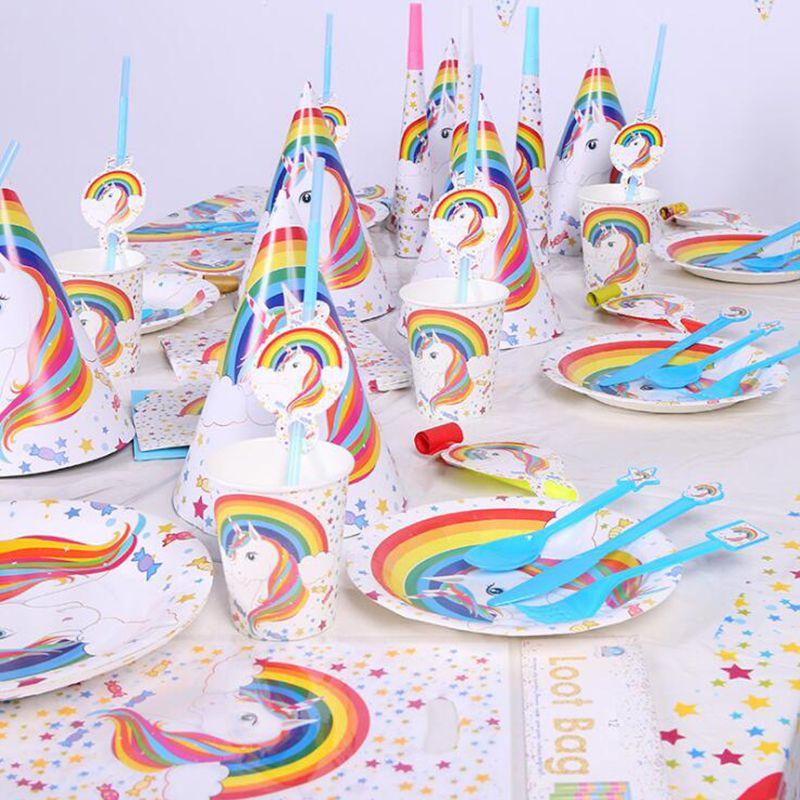 99 pcs/lot Licorne D'anniversaire Vaisselle Ensembles Enfants Fête D'anniversaire Décorations Enfants Articles De Fête Party Favors Enfants Ont Adoré