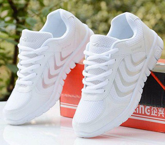 Chaussures pour femmes 2019 Nouveautés mode tenis feminino lumière respirant maille chaussures pour femme chaussures décontractées femmes sneakers livraison rapide