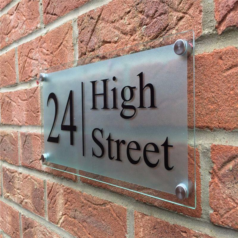 La maison acrylique claire moderne adaptée aux besoins du client/personnalisée signe des Plaques de Plaques de porte avec le Film givré