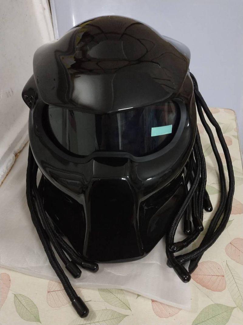 Masei 2017 New Predators helmet flexible strip lighting car-styling mask Fiberglass motorcycle Iron Man Full face moto helmet