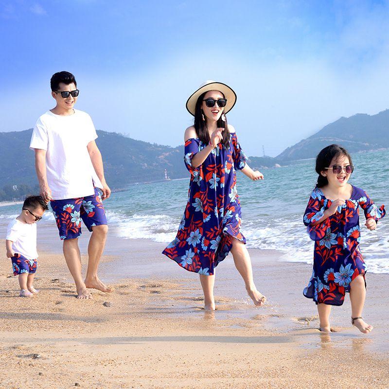 Семья Летняя мода Платья для мам и дочек и пап и сыновей для маленьких мальчиков наряды для девочек Семейные комплекты семейная одежда