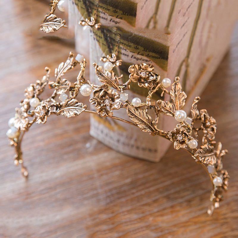 Vintage Rétro Or De Mariée Diadèmes et Couronnes De Mariage Pour Les Femmes Mariée Pageant De Bal Royal Couronne tête De Bijoux de Mariage Accessoires