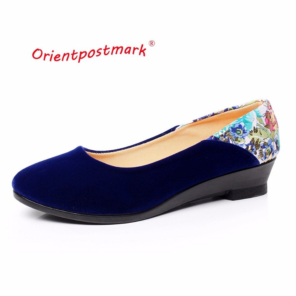 Nouvelles chaussures en tissu chinois élégantes cales imprimer fleur femmes chaussures à semelles compensées femmes chaussures de Ballet bateau chaussure Oversize OrientPostMark
