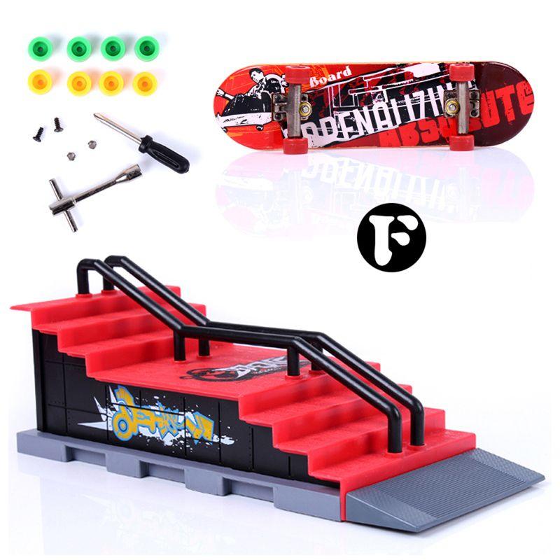 Mini Table Doigt Jeu De Patinage Conseil avec Rampe Pièces Piste pour Pont Touche Jouet Principal SiteTrack Finger Skate Conseil de La Formation
