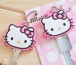 1 piece kawaii Hello Kitty 4 cm carpeta dominante llave de goma sostenedor de la carpeta del caso capa