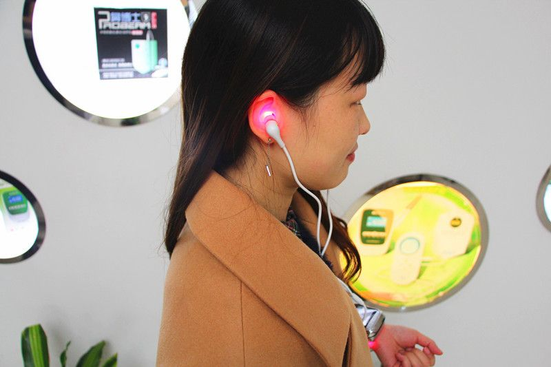 Tympanitis tinnitus sudden deafness treatment Wrist laser Therapy Device for blood purification no side-effect
