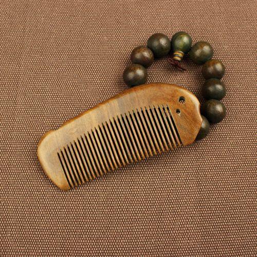 TI30 Wooden Comb Natural Sandalwood Green Sandalwood Comb <font><b>Fish</b></font> Shaped Comb