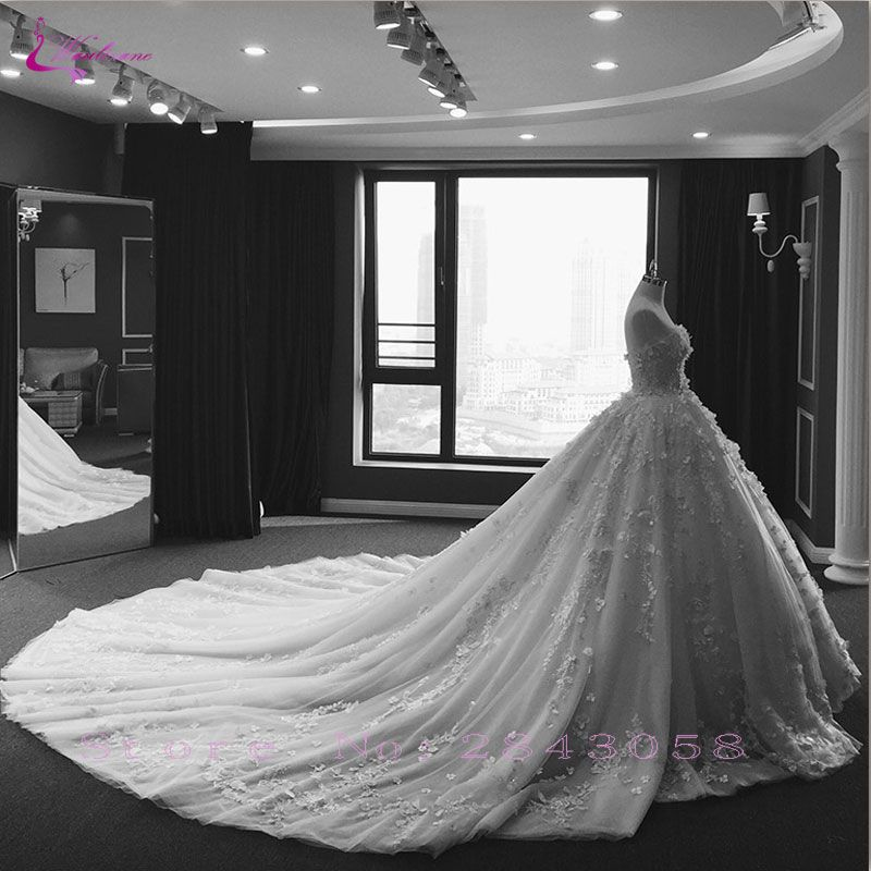 Waulizane Shiny Beaded Embroidery Ball Gown Wedding Dress Lace Appliques Lace Up Chapel Train Princess Bridal Gowns Hot Sale