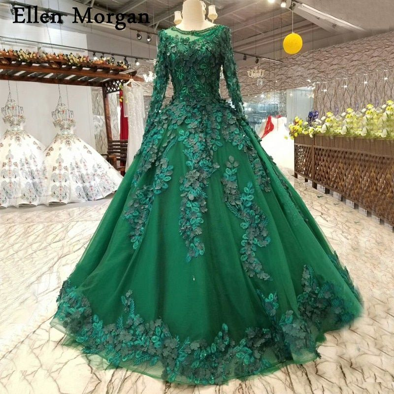 Dark Green Ball Gowns Wedding Dresses 2018 Saudi Arabian Dubai Lace up Flowers Pearls Vintage Long Sleeves Muslim Bridal Gowns