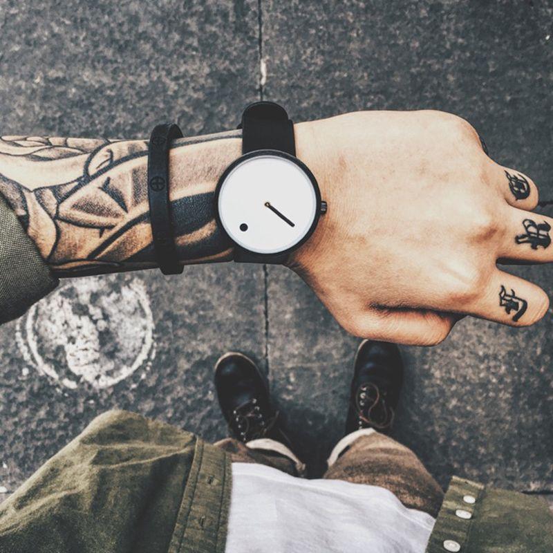 Marca de Fábrica superior de Cuarzo Creativo reloj de Lujo de los hombres Japón reloj de cuarzo Ocasional Negro Simple Diseñador de Moda correa de reloj masculino Nuevo