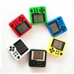 2018 Retro Mini Matchbox Tetris embroma consola jugadores del juego LCD portátil incorporado 26 juegos Color al azar