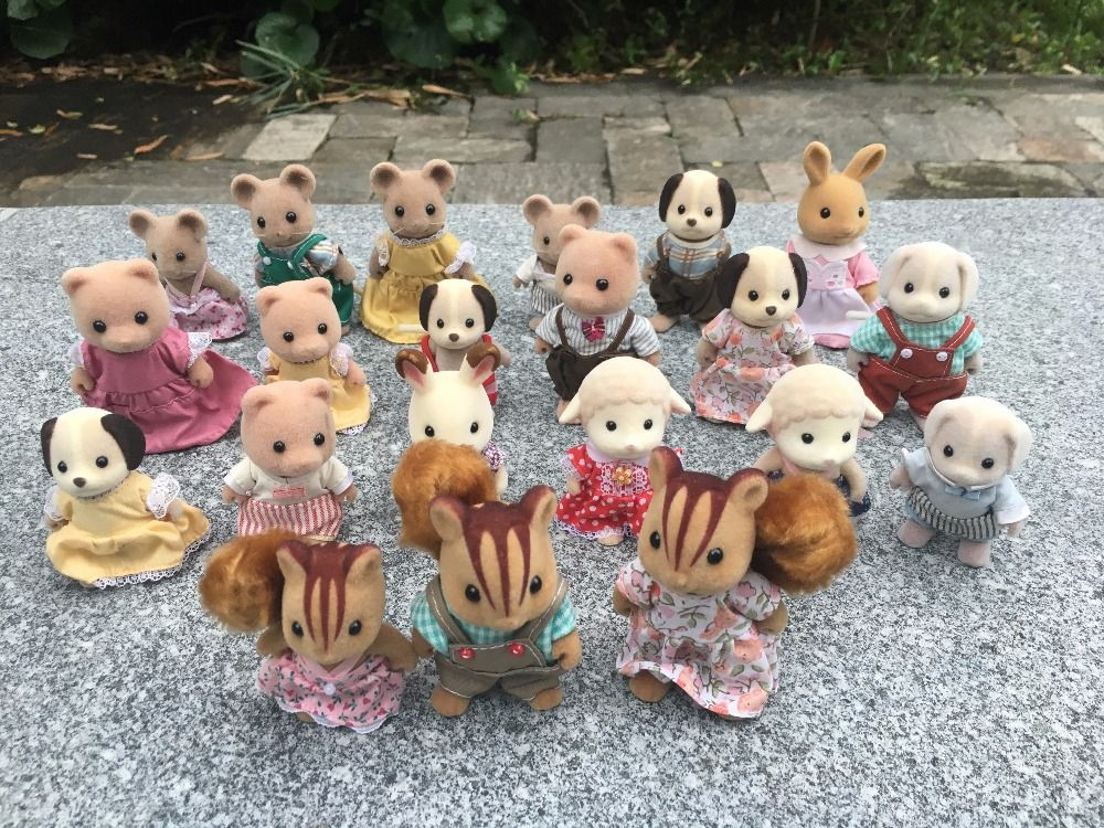 Geniune Sylvanian Families 10pcs/Set Fuzzy Action Figures Squirrel/Bear/Dogs/Mice Animal Doll Random New No Package