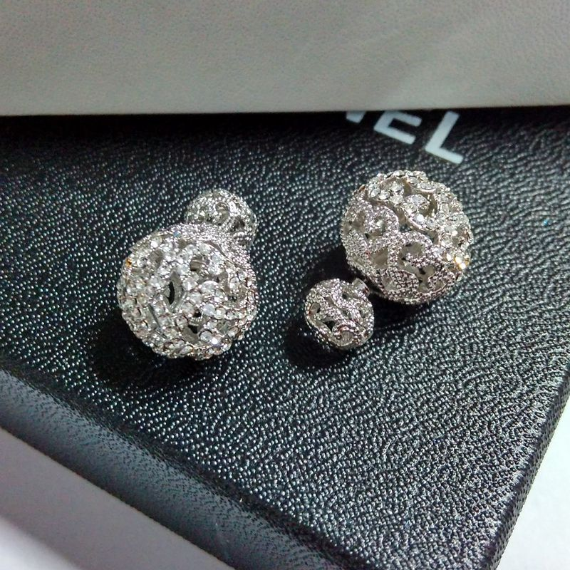 Женщин большой двойной мяч серьги-стержни известный дизайн с серебряным покрытием проложить Установка кристалла выдалбливать Двойные Мяч...