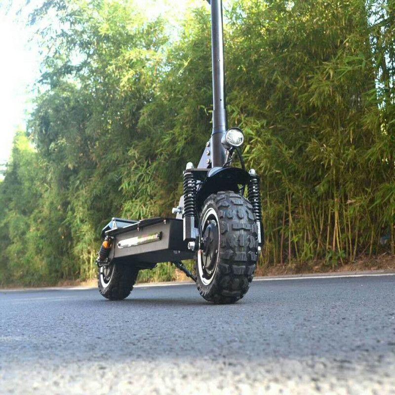11 zoll elektroroller 60V2400W kreuz land Leistungsstarke höchstgeschwindigkeit 65 km/std rang 70-80 km elektrische Außen sport skateboard