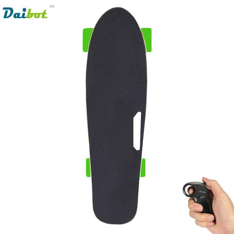 Neue 4 Rad Elektrisches Skateboard Hub Motor Drahtlose Fernbedienung kinder Roller Kleine Fische Platte Skate-Board für Kinder