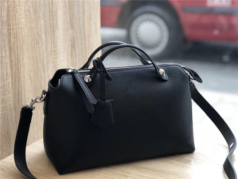 100% Genuine cow Leather Luxury Handbags Bags Designer Crossbody Bags For Women Famous Brand Runway full handmade 092207