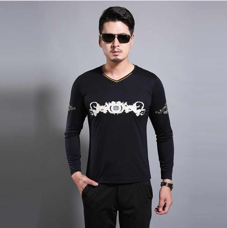 New printed long-sleeved rabbit hair T-shirt with rabbit hair, leisure knitting, and v-neck men's wear