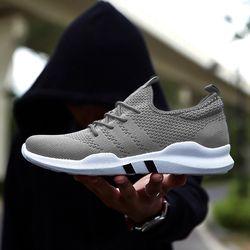 Caliente marca hombres zapatos ligeros Zapatillas transpirable Slip-on zapatos para adultos MODA CALZADO Zapatillas Hombre negro