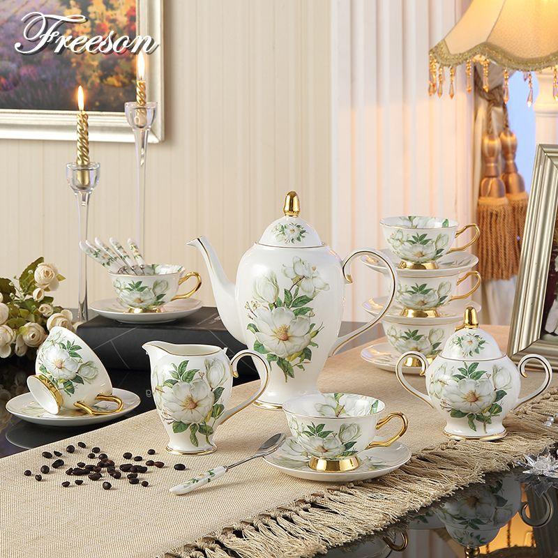 De luxe Porcelaine Camélia Café En Porcelaine Tasses à Thé Tasses En Céramique Sucre Pot Cruche Pot Théière Teatime Verres Cadeau De Mariage