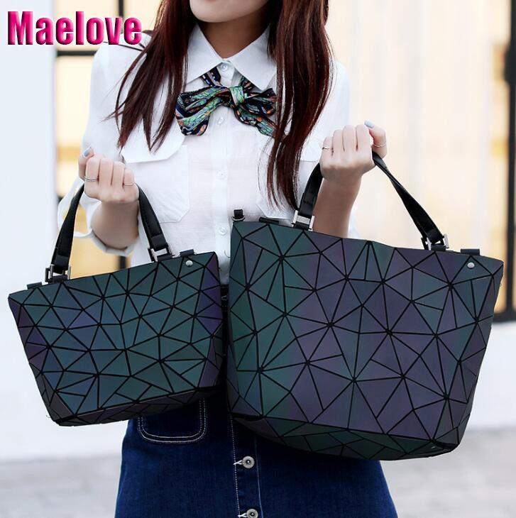 Maelove sac lumineux femmes géométrie diamant fourre-tout matelassé sacs à bandoulière Laser plaine pliage sacs à main hologramme livraison gratuite