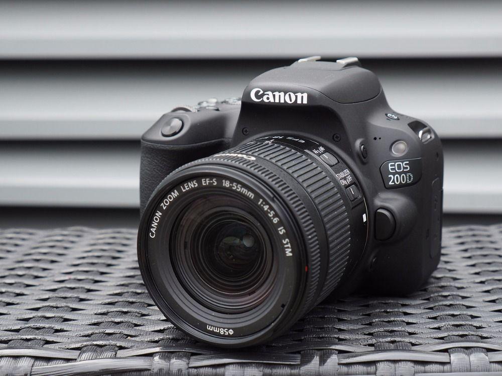 Canon EOS 200D/Rebel SL2 DSLR Kamera & 18-55mm IST STM Objektiv-Schwarz