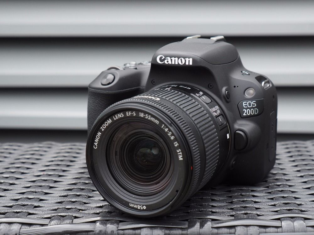 Canon EOS 200D / Rebel SL2 DSLR Camera & 18-55mm IS STM Lens - Black