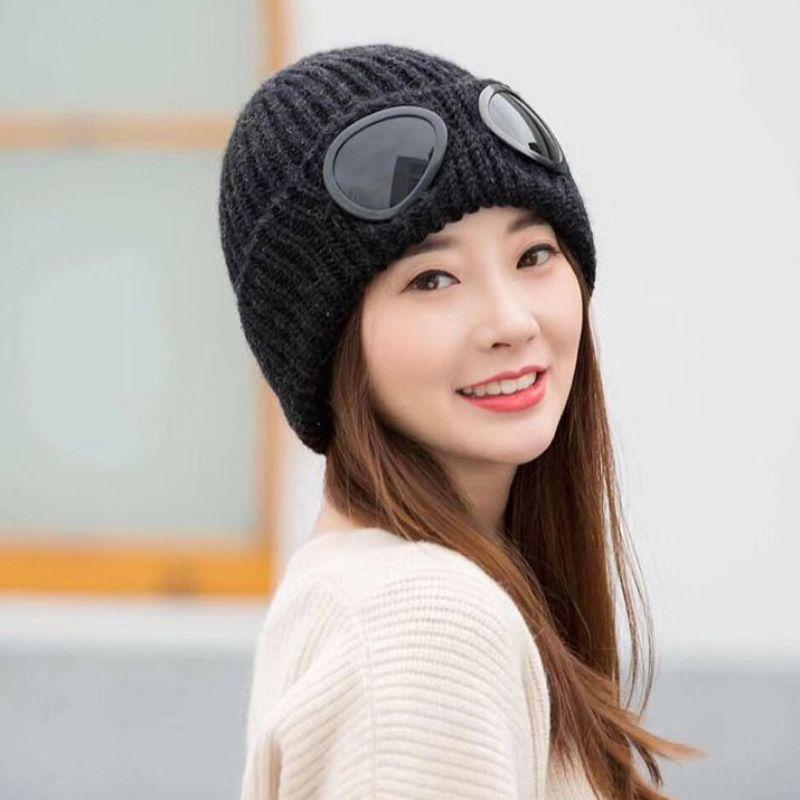 HT1458 Neue Mode Winter Mützen Männer Frauen Casual Ski Mützen mit Brille Solid Black Rot Weiß Grau Stricken Hüte Unisex Skullies